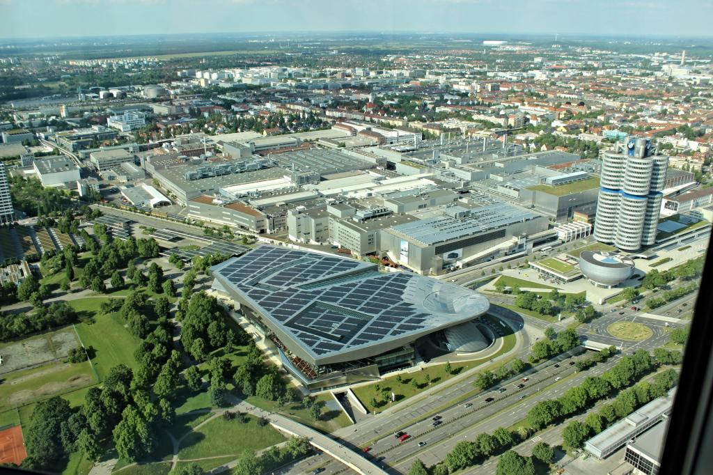 Name:  BMW Welt and Museum and WERK  IMG_8928.jpg Views: 3189 Size:  179.6 KB