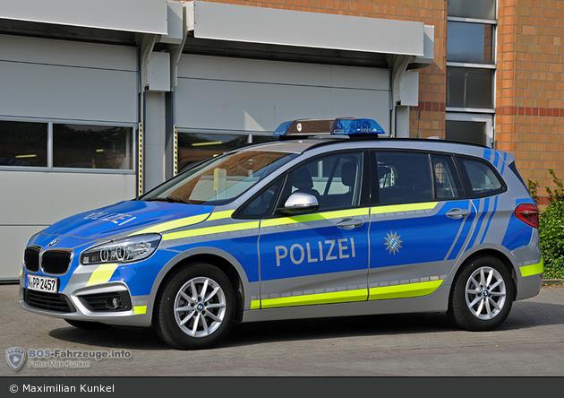 Name:  polizei  399140-large.jpg Views: 397 Size:  366.3 KB