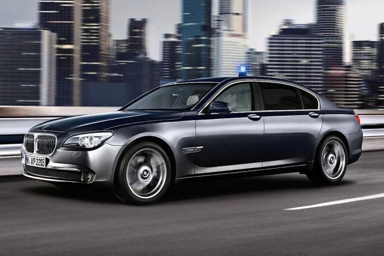 Name:  Polizei-Einsatz     BMW-7er-Polizei-729x486-8d73e3ed01ec50a0.jpg Views: 341 Size:  91.6 KB