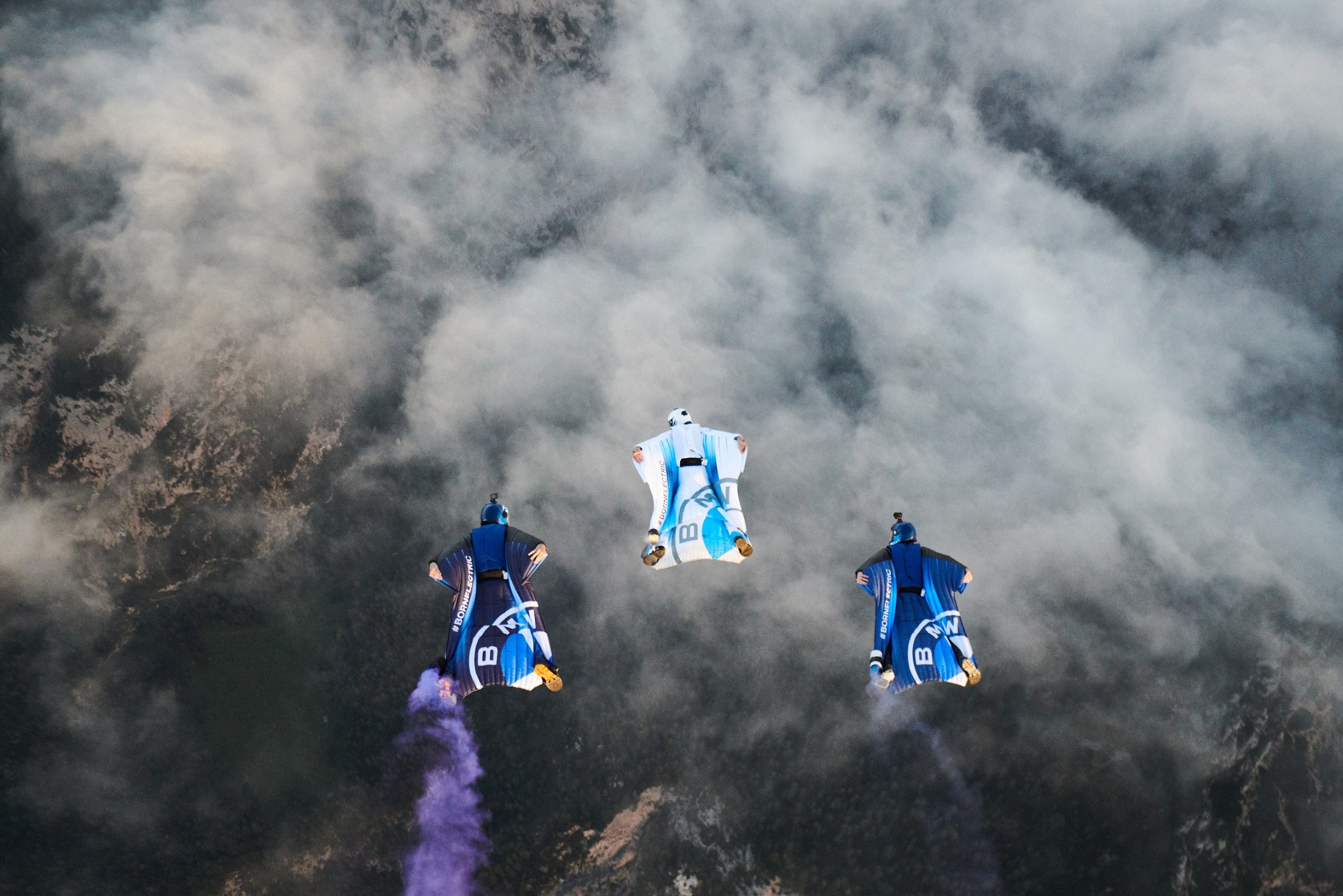 Name:  P90405670_lowRes_electrified-wingsuit.jpg Views: 626 Size:  670.1 KB