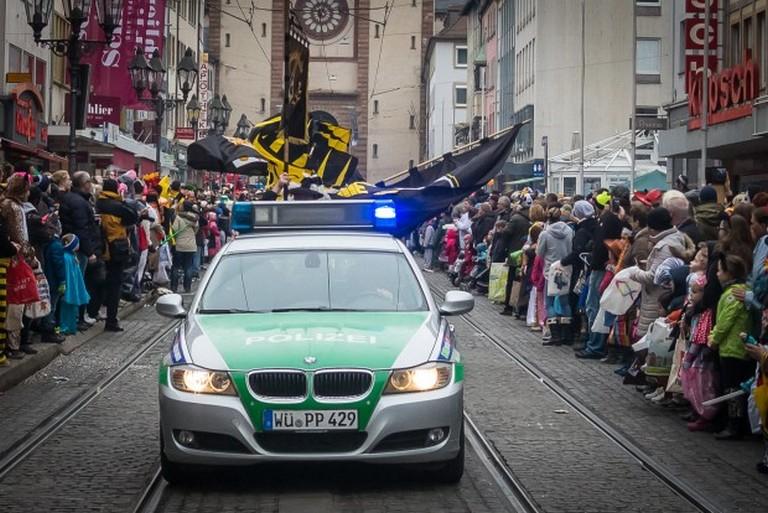 Name:  Polizei_Fasching_Symbolfoto_2-5-620x414.jpg Views: 322 Size:  131.2 KB