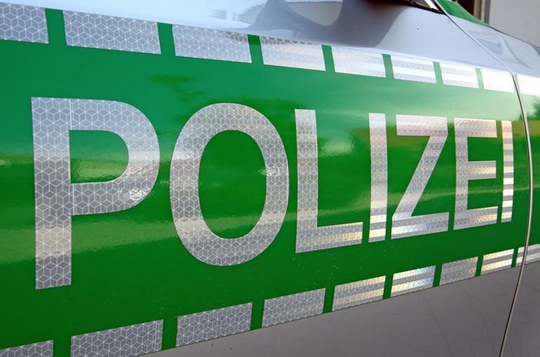 Name:  Polizei_jj.jpg Views: 399 Size:  93.2 KB