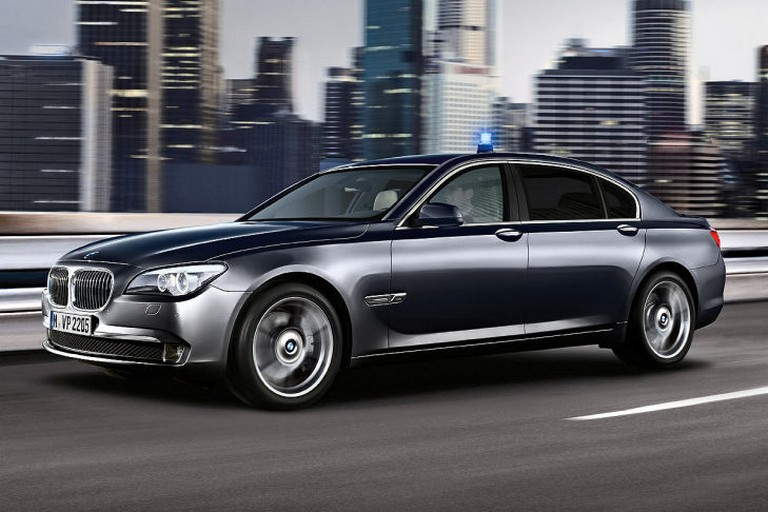 Name:  Polizei-Einsatz     BMW-7er-Polizei-729x486-8d73e3ed01ec50a0.jpg Views: 385 Size:  91.6 KB