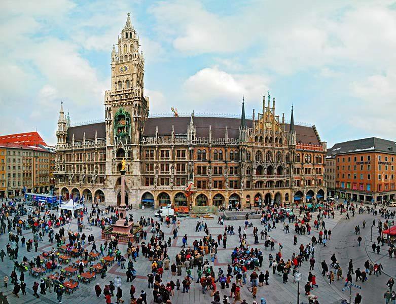 Name:  Marienplatz3279647691965_569965791_n.jpg Views: 2727 Size:  125.8 KB