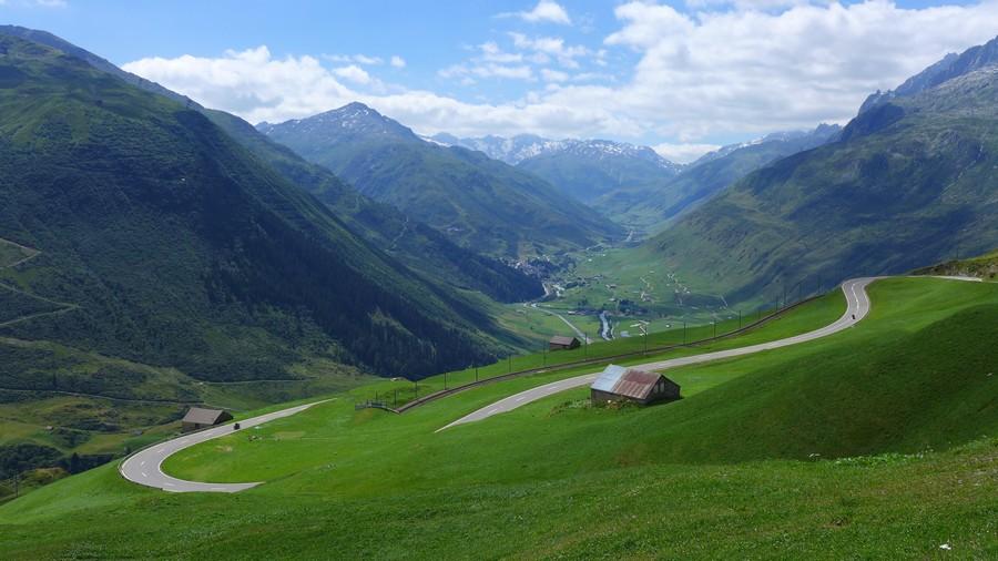 Name:  Furka Pass P1080371.jpg Views: 1839 Size:  153.3 KB
