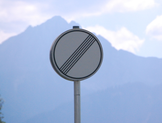 Name:  autobahn-end-of-restrictions-sign.jpg Views: 8584 Size:  83.5 KB