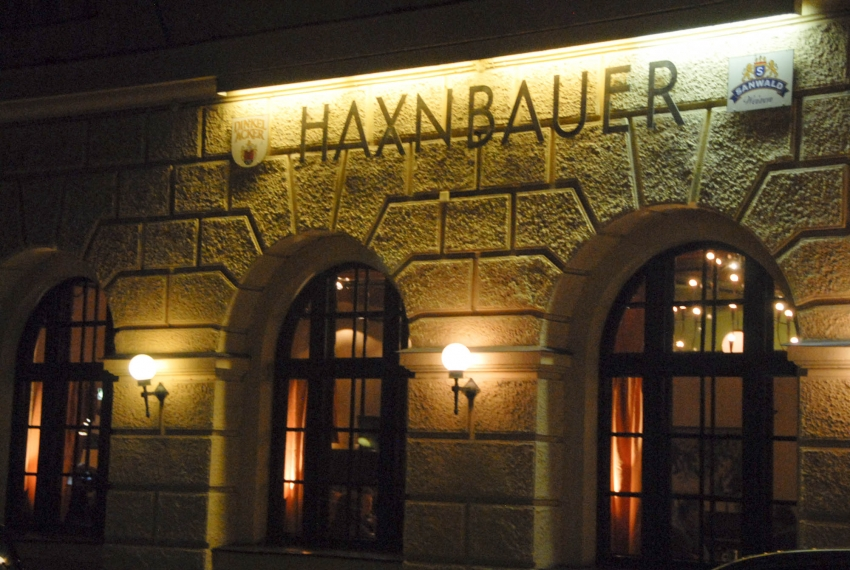 Name:  Haxnbauer im Scholastikahaus .jpg Views: 4083 Size:  412.3 KB