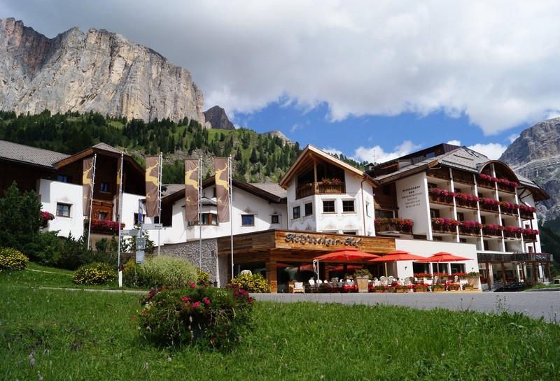Name:  Sella  Hotel Kolfuschgerhof     10499343_704382849598048_534667051736844303_o.jpg Views: 3230 Size:  155.6 KB