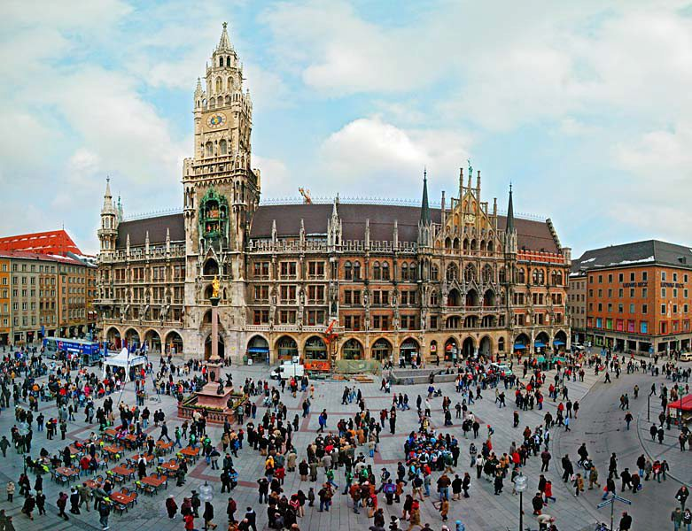 Name:  Marienplatz3279647691965_569965791_n.jpg Views: 2798 Size:  125.8 KB
