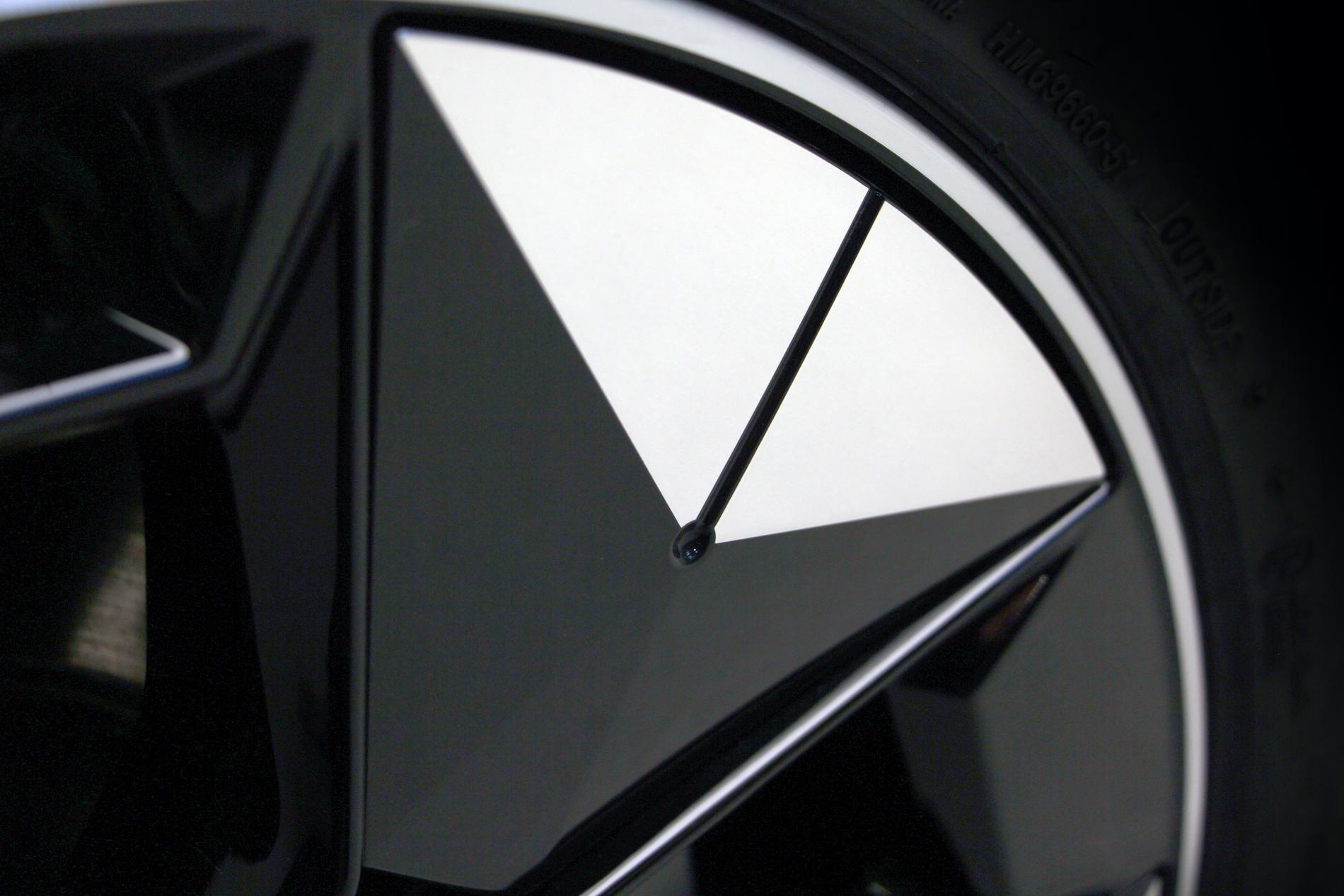 Name:  BMW iX3 i4 Aerodynamic Wheels.jpg Views: 4290 Size:  2.02 MB